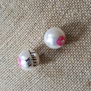 Betsey Johnson pearl stud earrings lip prints